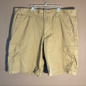 U.S. Polo Assn. beige cargo shorts W40